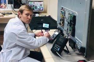 Артём Титов - сервисный инженер по ремонту телевизоров